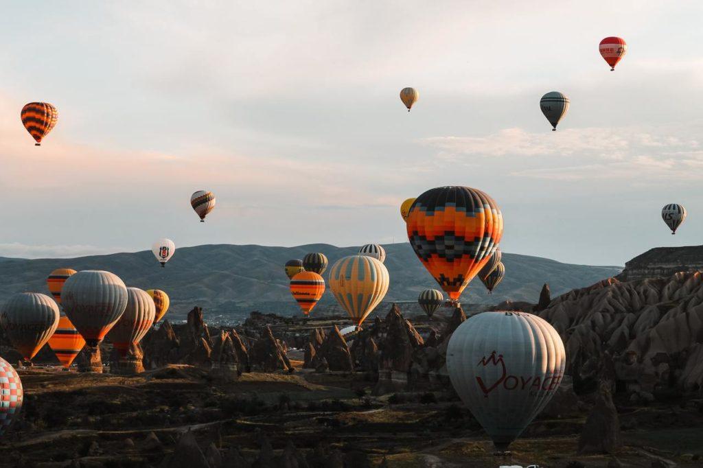 Множество воздушных шаров