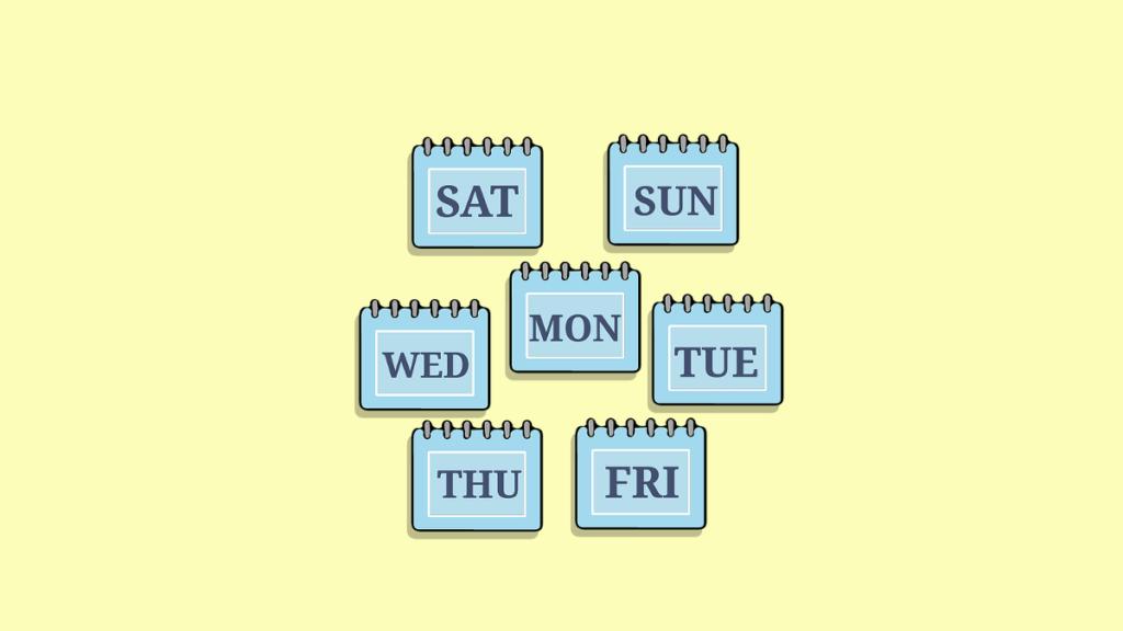 Семь календарей с днями недели на каждом
