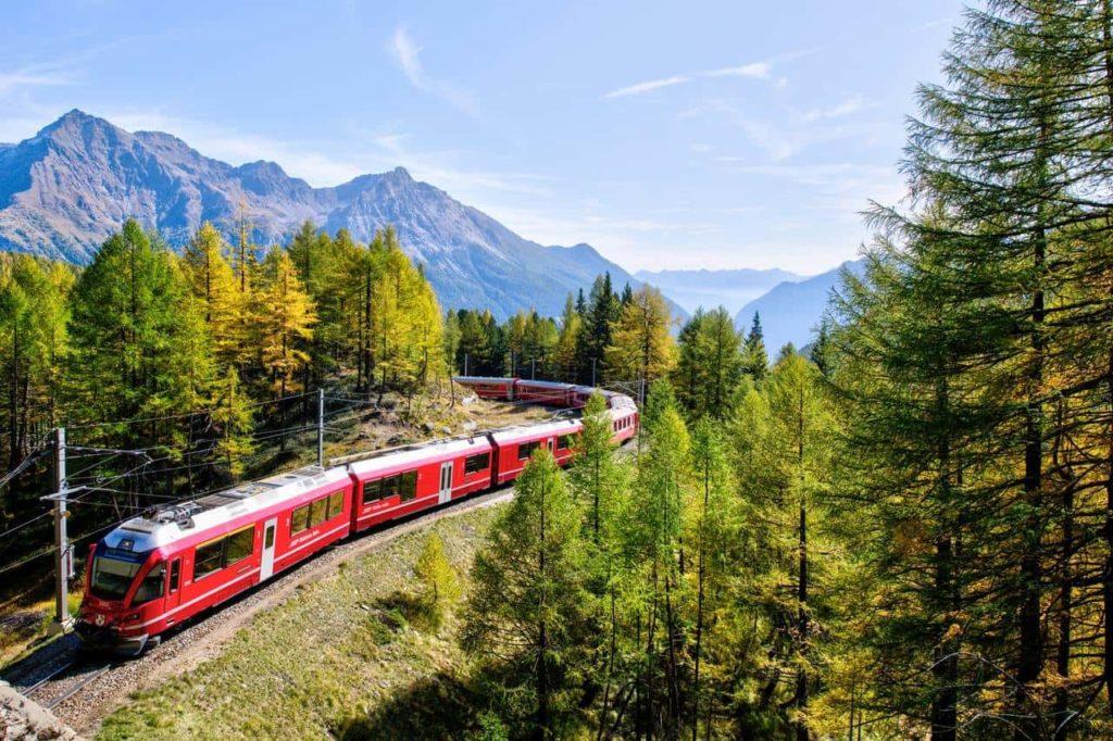 Поезд в горах